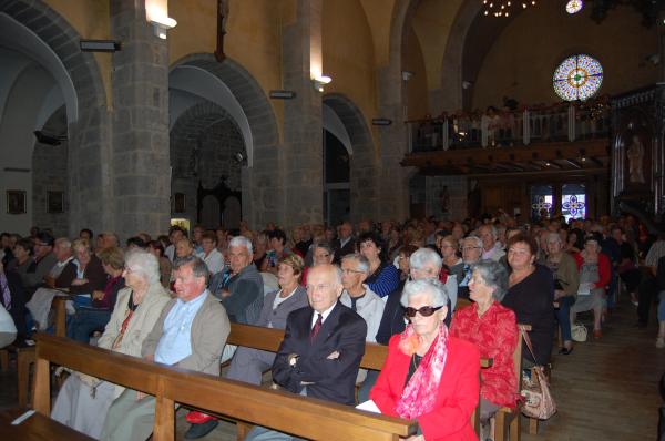 Public nombreux dans l'église de St Chély